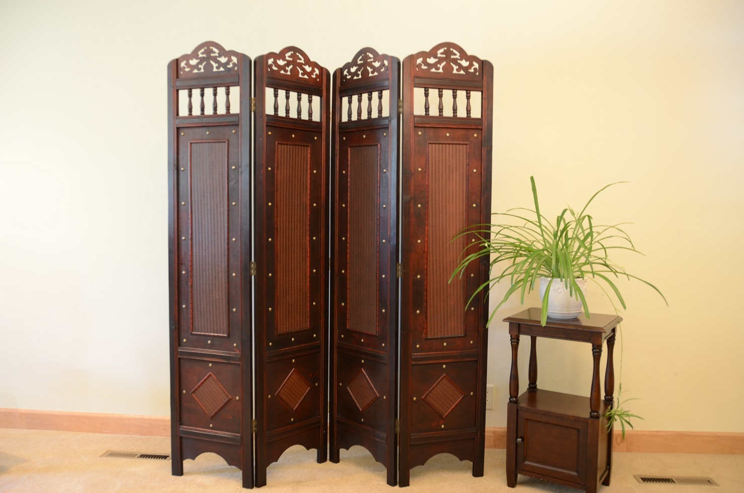Jamestown Room Divider