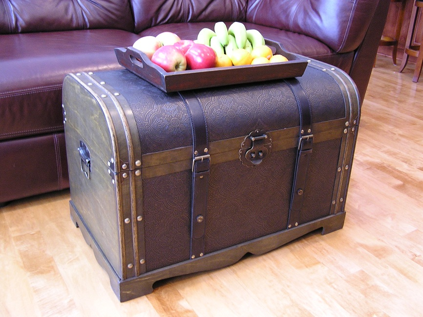 Antique victorian large wood storage trunk wooden hope