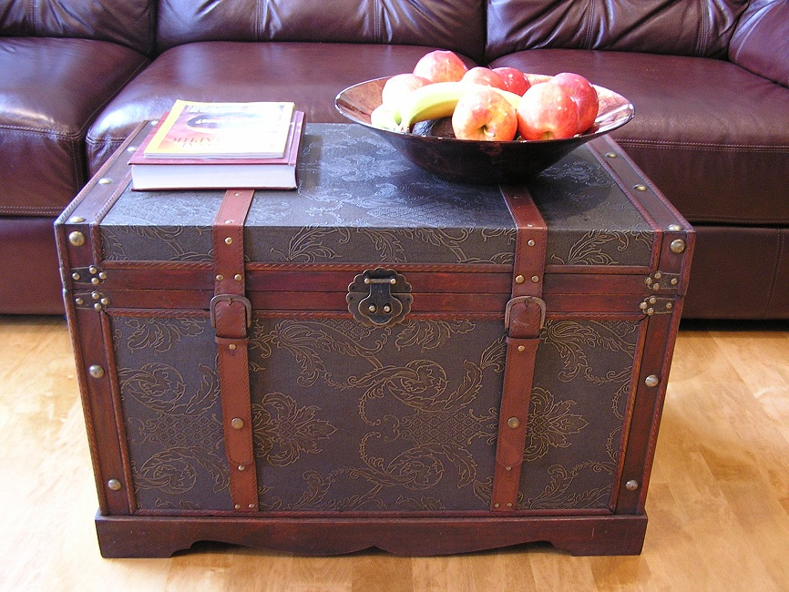 Sienna Wood Trunk