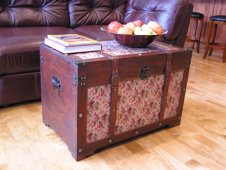Savannah Wood Trunk